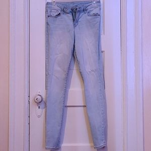 Mid-Rise Jean